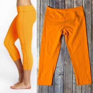 Beyond Yoga Capri Leggings Orange Fitness Pants